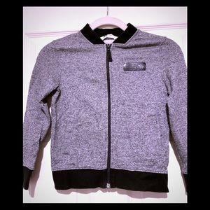 H&M Boys sweater/jacket pre-used.